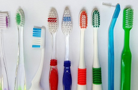 מברשות שיניים